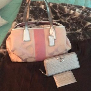 EUC Coach Bag wallet and card holder dust bag too
